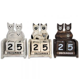 Wooden Cat Calendar: Cat Trio