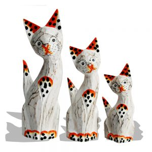 Wooden cats trio org white